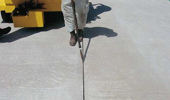 無鉛タイプ耐油性コンクリート目地材(ネオタイユシールコールド)画像4